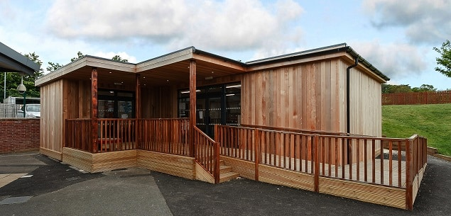 Eco-classroom at Coopers Edge Primary School by TGEscapes