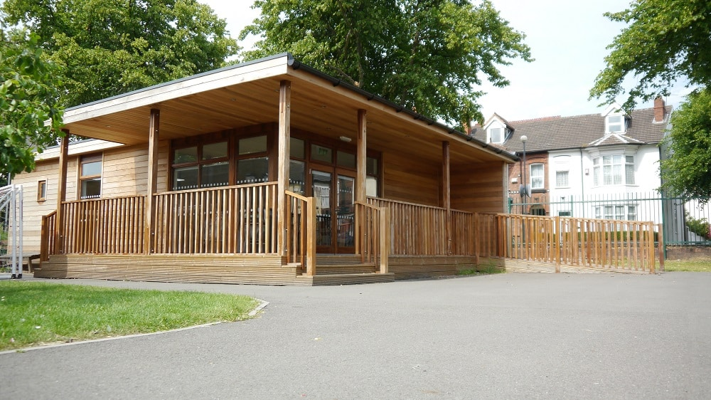 Eco-Classroom in Wolverhampton by The Learning Escape