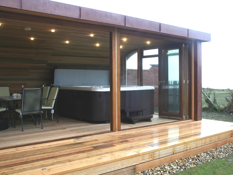 Garden room with spa