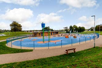 Willen Lake Splash and play by TG Escapes