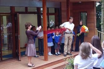 Chris Packham Opens the Outdoor Classroom at Spinnens Acre School - The Learning Escape