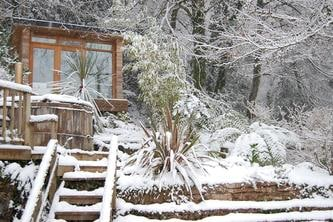 Eco Garden Room in the Snow by The Garden Escape