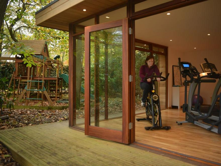 Garden Gym in Hertfordshire Jan 2012