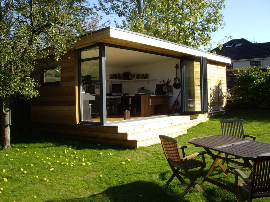 Garden rooms bespoke eco build uk nationwide with 10 for Outside office shed
