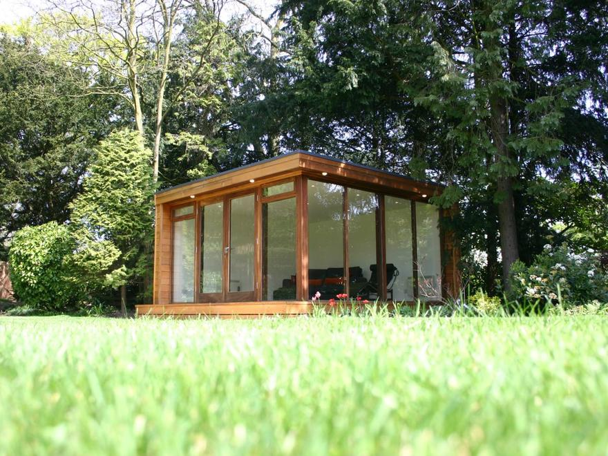 Garden Office in Leicestershire, September 2005